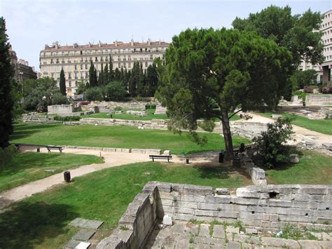 le led jardin file marseille le jardin des vestiges jpg wikimedia commons