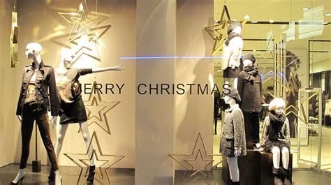 Christmas Holiday Decorating Ideas Home by Zara Quot Starry Merry Christmas Quot Window Display Best Window