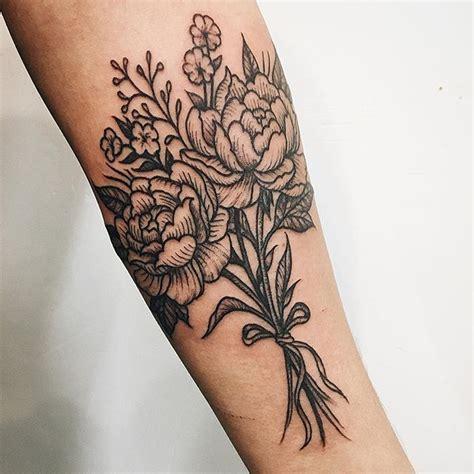 best 25 bouquet tattoo ideas on pinterest flower