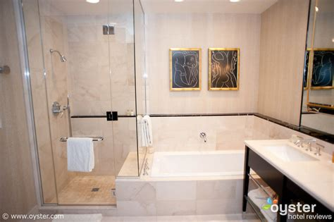 vegas bathrooms sexiest hotel bathrooms in las vegas oyster com