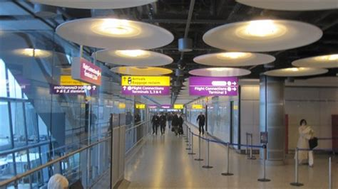 flight arrivals and departures heathrow international airport london image gallery t5 arrivals