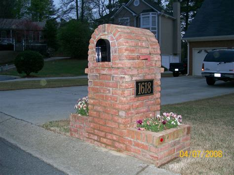 Brick Mailbox With Planter by Mailbox Garden Plans Brick W Planter Inspiration And