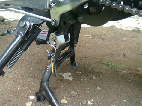 Gembok Motor Matic 9 tips agar motor aman dari pencurian maling ridergalau