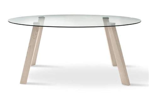 tavolo vetro ovale tavolo ovale con piano in vetro gambe in faggio idfdesign
