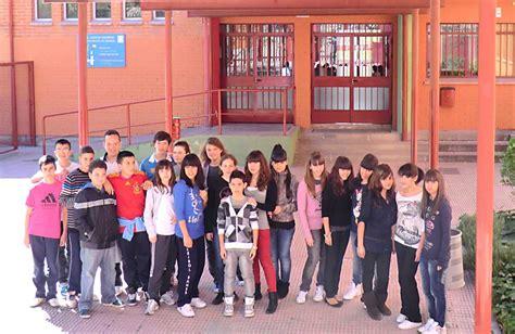 1 juan de mairena alumnos del ies juan de mairena de san sebasti 225 n de los reyes en el proyecto mates junto al