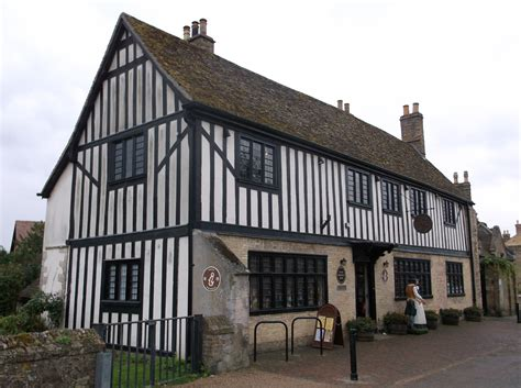 house pics file oliver cromwell s house ely 3 jpg wikimedia commons