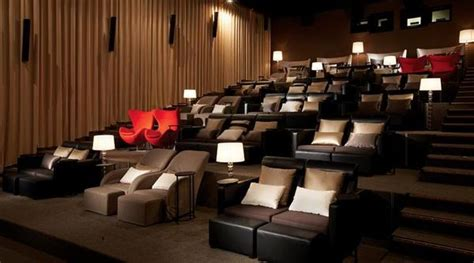 Movie Theater Sofas Where Can You Watch A Movie And Eat Upscale French Italian