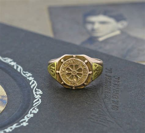 antique class ring signet wimington college graduation circa