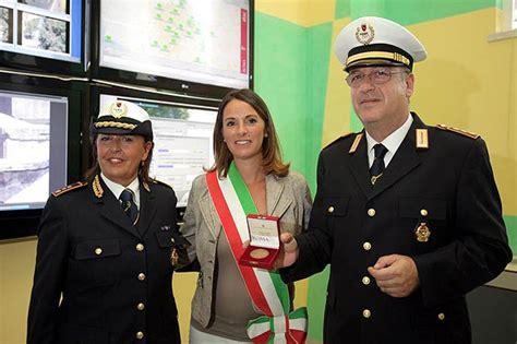 tribunale castelnuovo di porto ferragosto in divisa foto giorno corriere roma