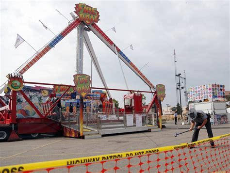 theme park ride breaks corrosion caused 18 year old ohio amusement park ride to