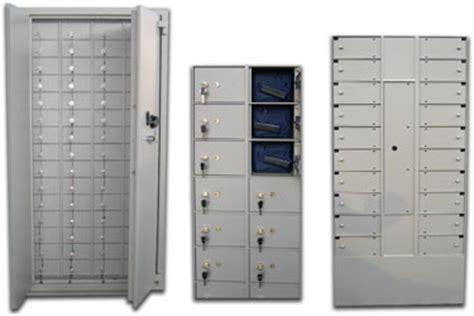 cassette di sicurezza a muro casseforti su misura armadi di sicurezza e blindati su
