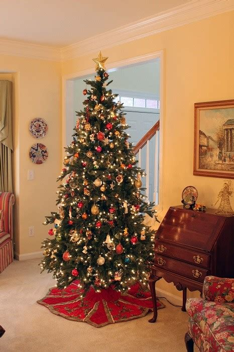 10 amazing christmas tree decorating ideas christmas