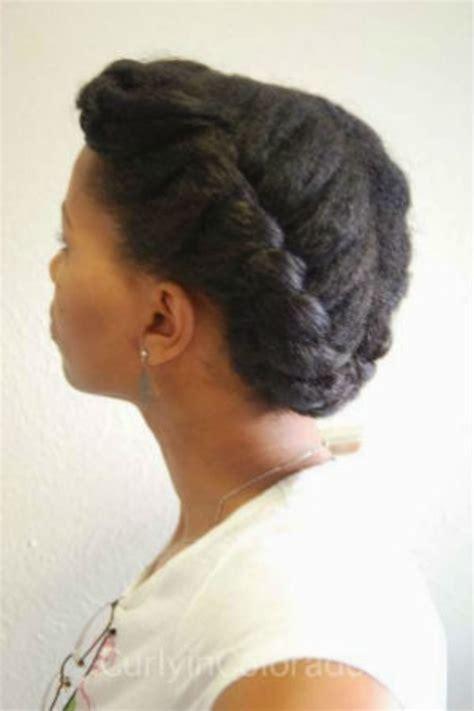 coiffure pour cheveux cr 233 pus avec une tresse en couronne