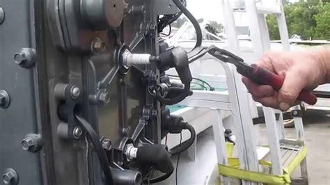 mercury  hp  cylinder engine  running