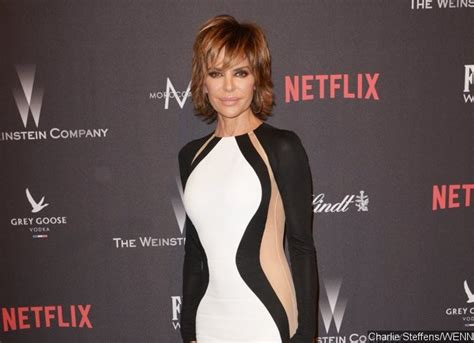 how does lisa rinna stay skinny report friends fear for lisa rinna s life as she takes
