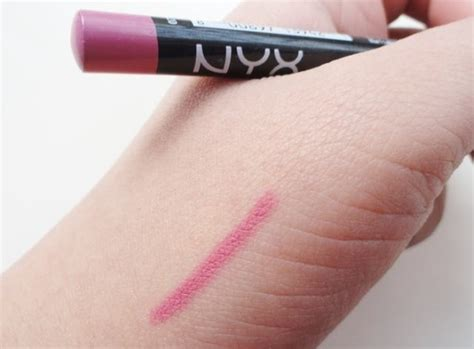 Nyx Slim Lip Liner Pencil Pink nyx slim lip liner pencil in sand pink review