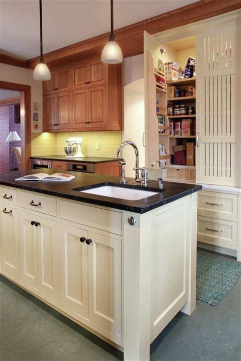 craftsman style kitchen cabinets craftsman style kitchen interior spaces pinterest