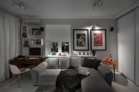 compact bachelor pad captures all the right details in an