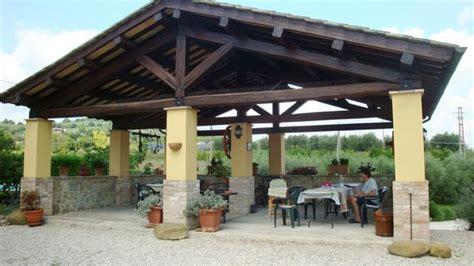 Il Vecchio Fienile Country House by Il Pergolato In Legno Picture Of La Country House Il