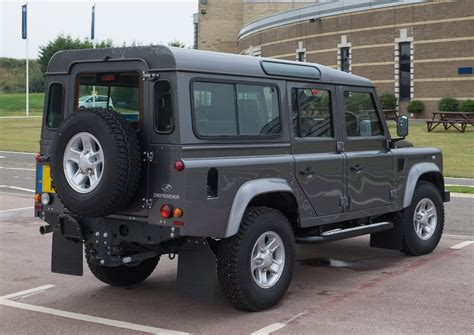 lifted land rover 2016 file land rover defender 110 station wagon 2016 rear jpg
