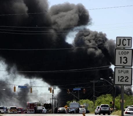 Truck Attorney San Antonio 2 by Truck Explodes At San Antonio Refinery Houston Chronicle