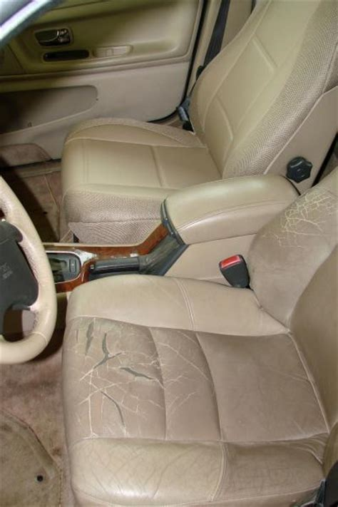 volvo xc xc xc           tan leatherette  synthetic