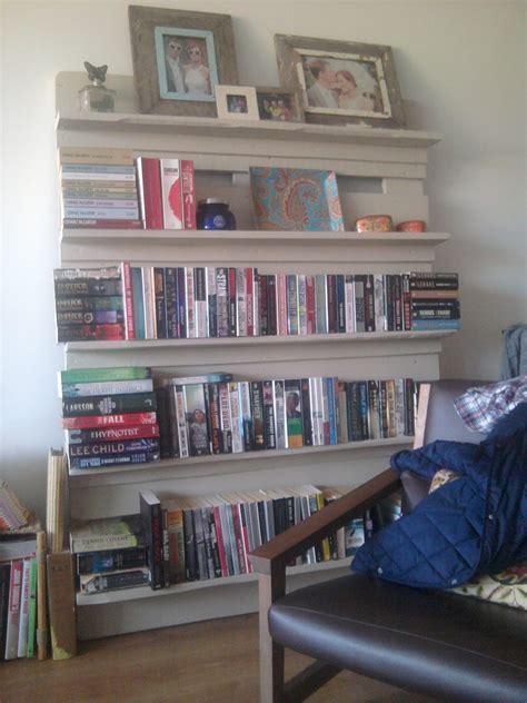 white pallet bookshelf diy projects