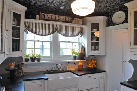 Designers Kitchens a pocketful of blue a black and white cottage kitchen