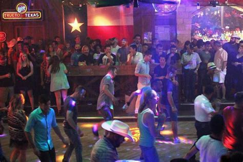 top bars in dallas tx dallas country western bars 10best nightlife reviews