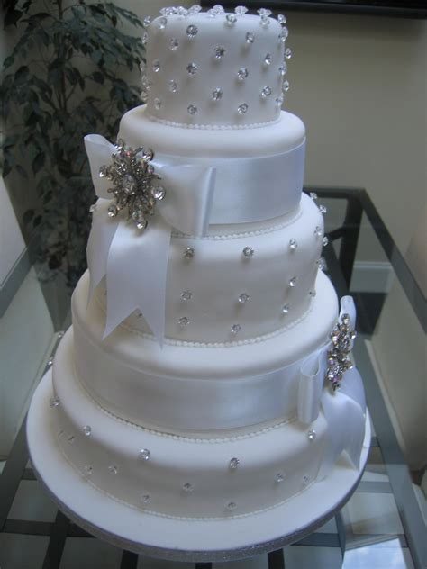 Images Of Beautiful Wedding Cakes by Wedding Cake Bling Beautiful Cakes That Sparkle Shine