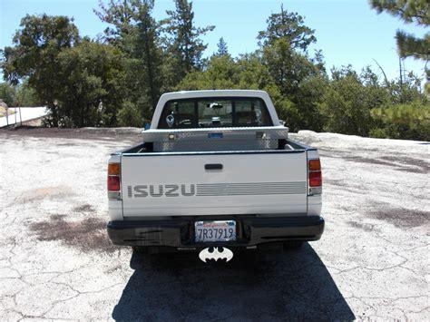 isuzu information and photos momentcar
