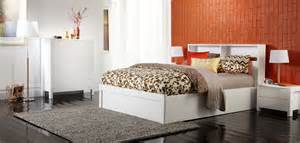 Bedroom Furniture New York New York Minimalist Modern White Bedroom Furniture Suite With Orange Neutral And White