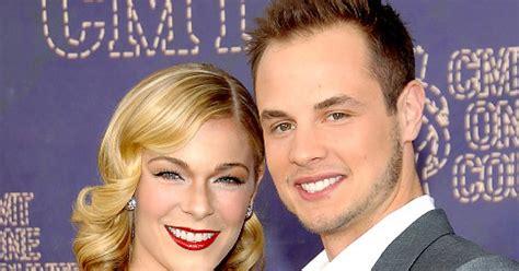 Heches Husband Files For Divorce Snarky Gossip by Leann Rimes Husband Files For Divorce Ny Daily News