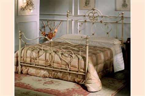 vittoria camere da letto vittoria camere da letto classiche mobili sparaco