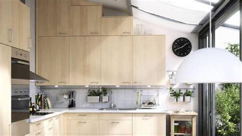 High Ceiling Kitchen Design by Conrav Salon Turque