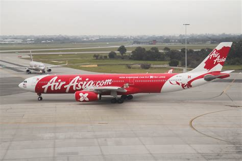 airasia refund policy video airasia x engine failure the plane was shaking
