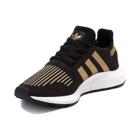 womens adidas swift run athletic shoe black