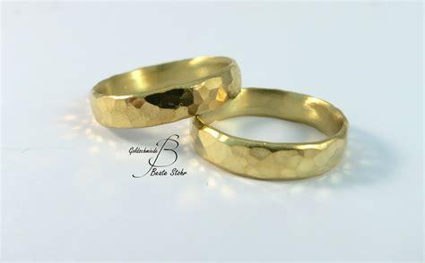 ringe shop trauringe geschmiedete gold traumschmuckwerkstatt shop
