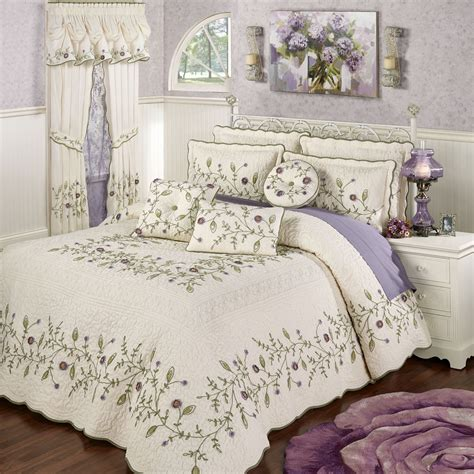 Floral Bedspreads And Comforters by Blossom Floral Oversized Quilted Bedspread Bedding