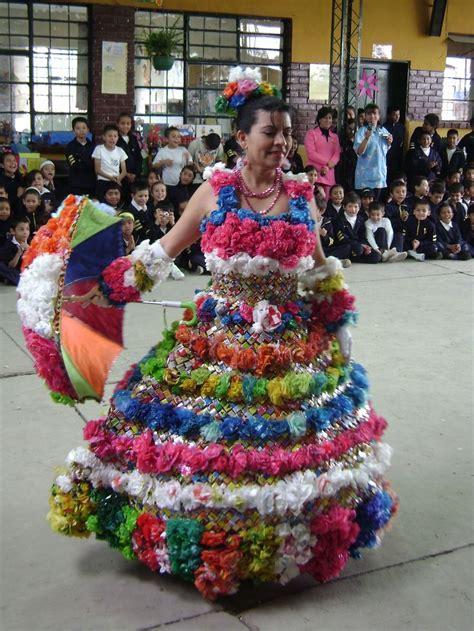 vestido con material reciclado 49 best images about disfraces con material reciclado on