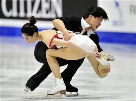 wardrobe malfunction in speed skating at isu world cup ice style 2011 isu grand prix final pairs ice dance