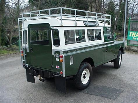 land rover safari roof land rover series iii 109 3 door with roof rack safari
