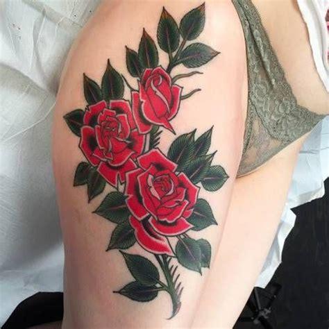 tattoo mandala no quadril tatuagem de ramo de rosas no quadril veja essa e outras
