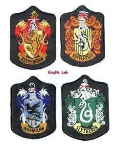 toppa termoadesiva con stemma di hogwarts grifondoro