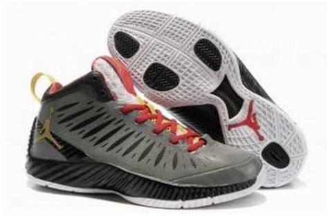 Sepatu Basket Michael basket michael pas cher
