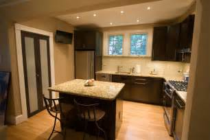 Kitchen Ideas For Medium Kitchens by Medium Kitchen Remodeling And Design Ideas And Photos