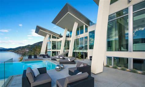 Luxury House Designs And Floor Plans magnifique r 233 sidence de luxe au bord d un lac au canada