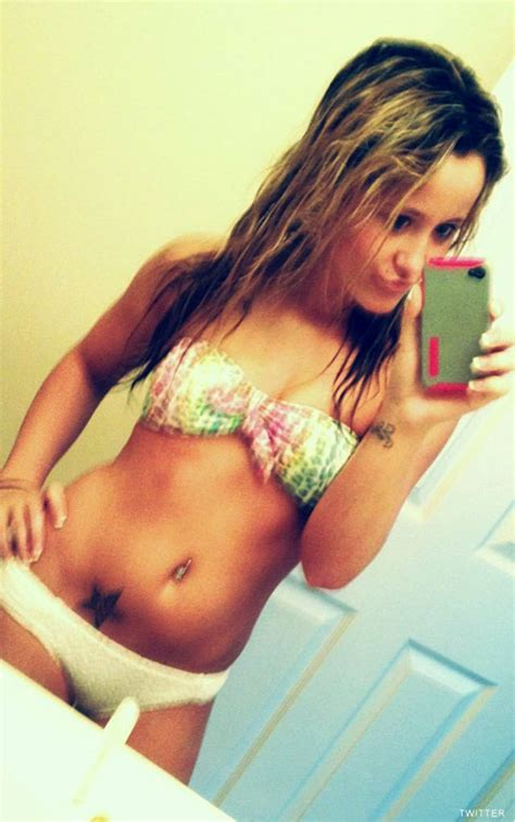 young chest bare girl teen jenelle evans confirms she s getting breast implants