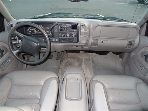 99 Chevy Tahoe Interior by 1999 Gmc Yukon Slt For Sale V8 Suv 350 Interior Options