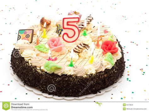 candele torta torta di compleanno 5 anni fotografia stock immagine di